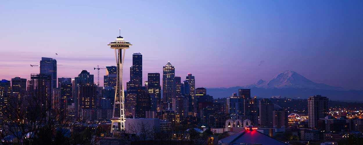 seattle-staedtereisen-skyline-space-needle-berge